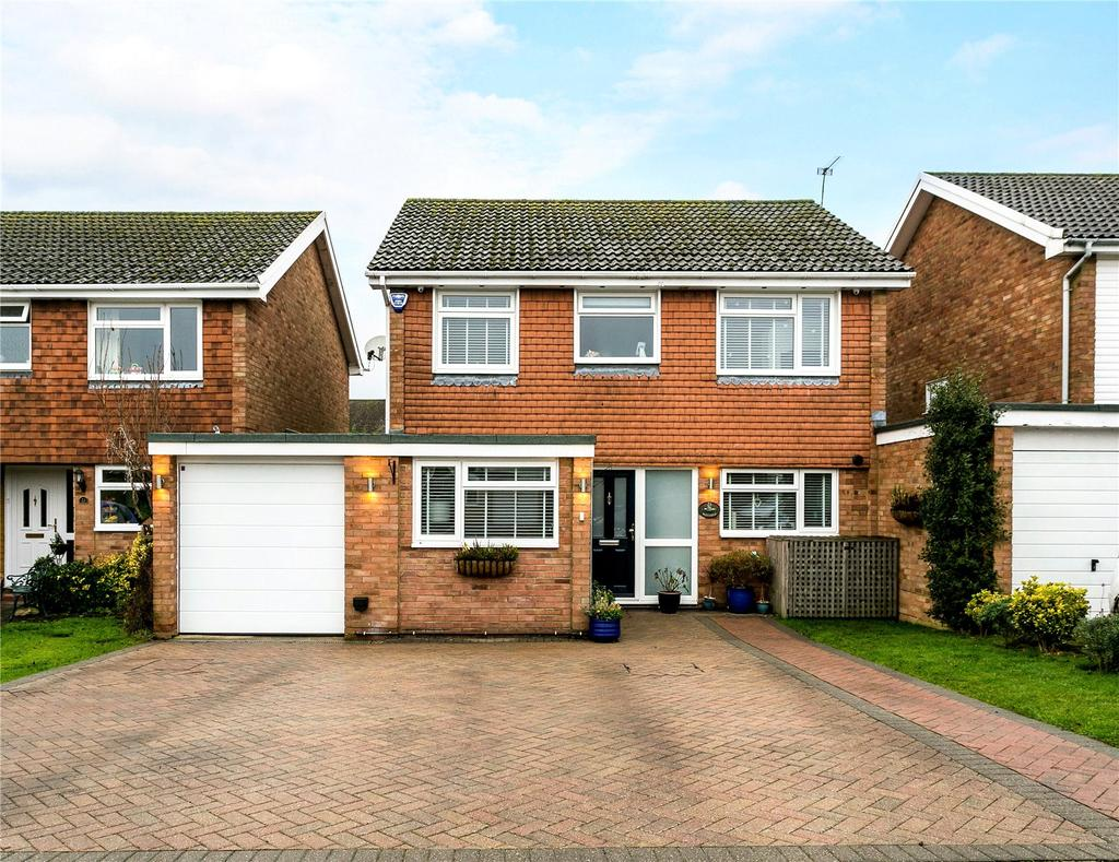 4 Bedrooms Link Detached House for sale in Westfield, Hyde Heath, Nr Amersham, Buckinghamshire, HP6