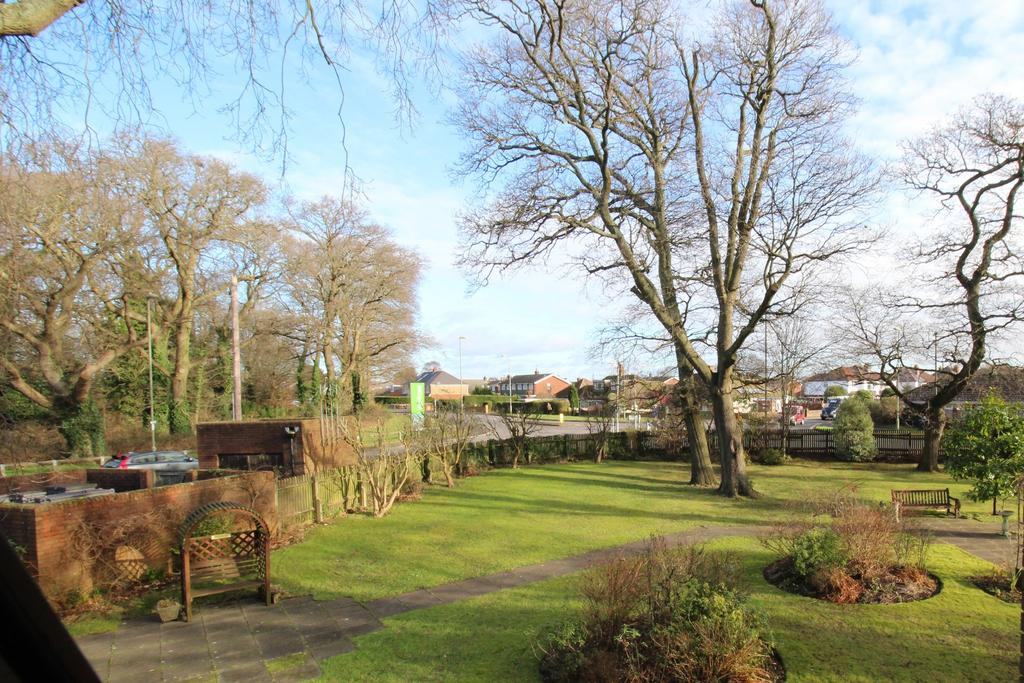 1 Bedroom Retirement Property for sale in High Oaks House, Locks Heath