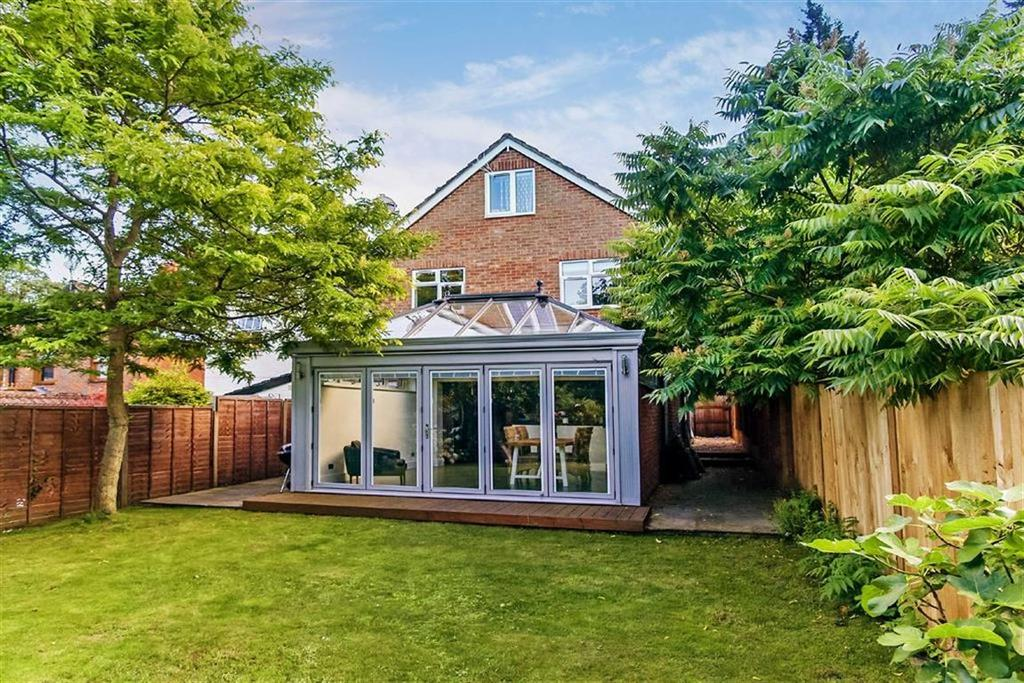 4 Bedrooms Detached House for sale in Camelsdale Road, Haslemere, Surrey, GU27