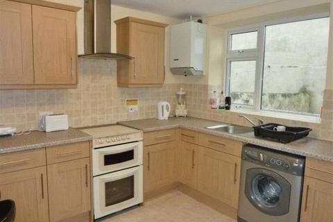 5 bedroom house to rent - Queens Park Road, East Sussex