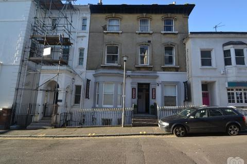 4 bedroom flat to rent - Hampton Place Brighton East Sussex BN1