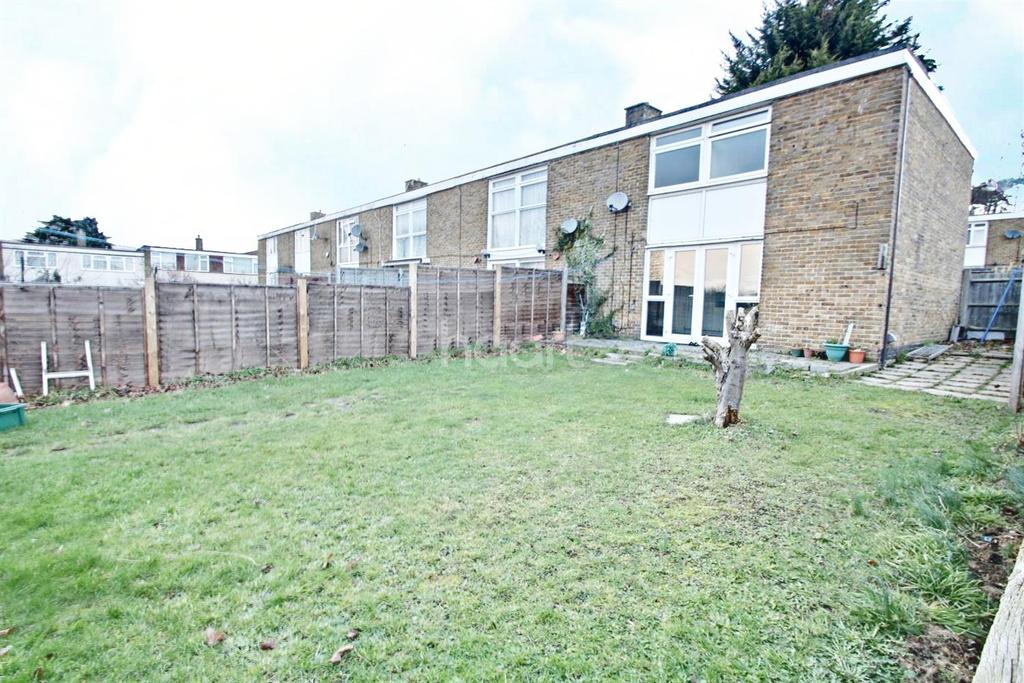 2 Bedrooms End Of Terrace House for sale in Northbrooks, Harlow