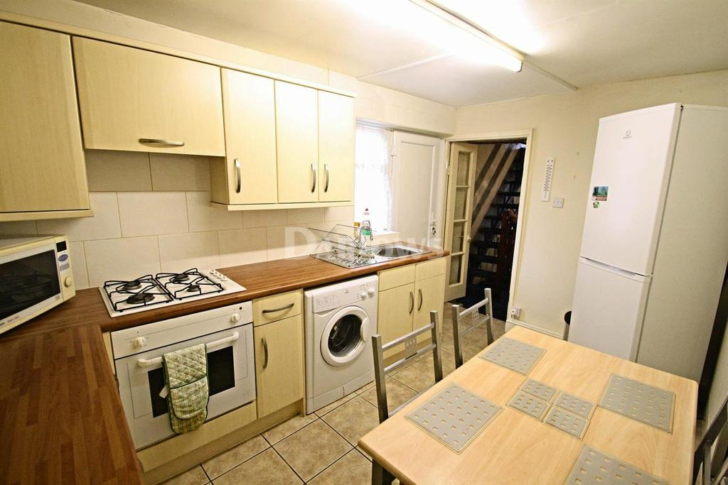 2 Bedrooms End Of Terrace House for sale in King Street, Brynmawr, Blaenau Gwent,