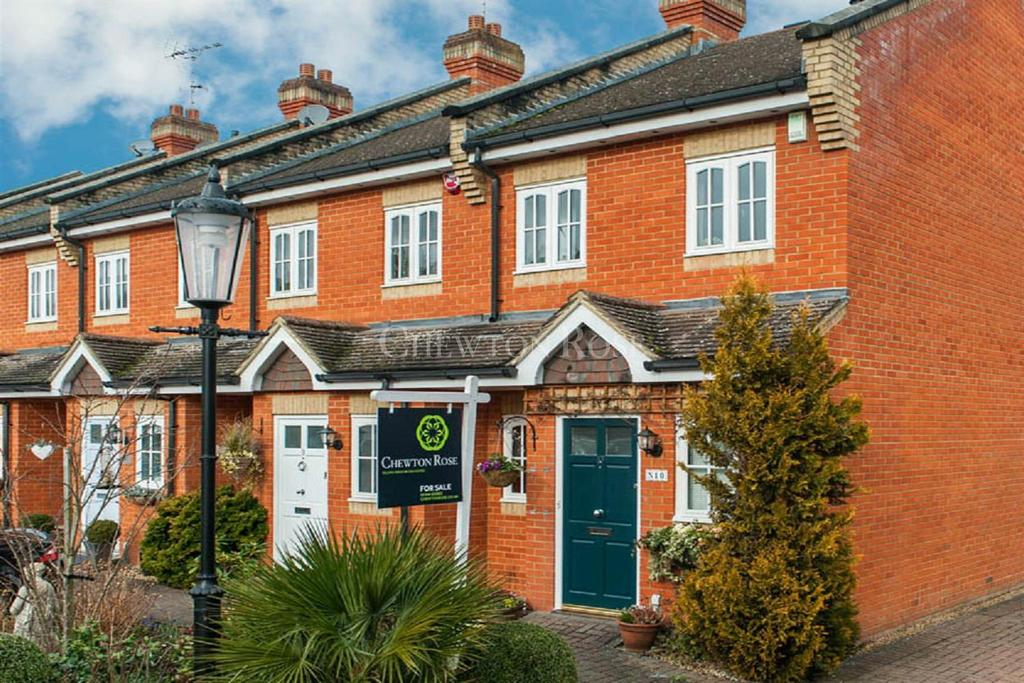 2 Bedrooms Terraced House for sale in Scotts Mews, Ascot