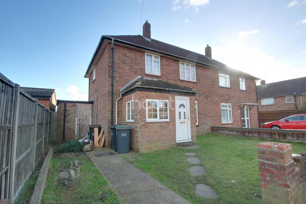 3 Bedrooms Semi Detached House for sale in Family Farley Hill Semi