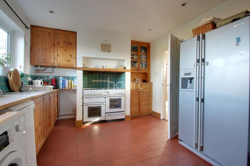 5 Bedrooms Semi Detached House for sale in Blunts Hall Road, Witham