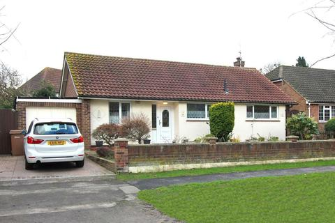 3 bedroom detached bungalow for sale - Beehive Lane, Chelmsford, Essex, CM2