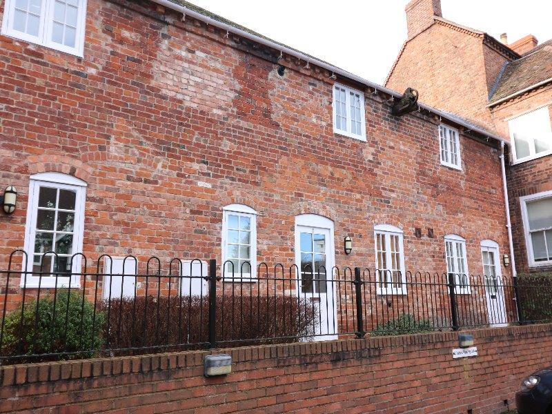 2 Bedrooms Mews House for sale in Pershore WR10
