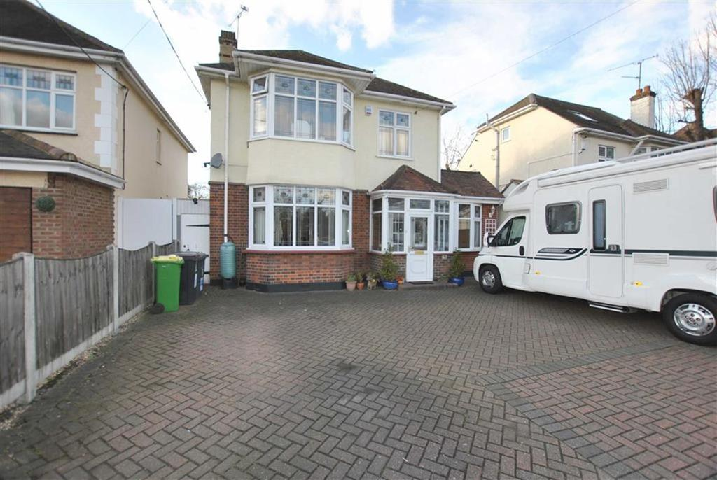 4 Bedrooms Detached House for sale in Southend Road, Rochford, Essex