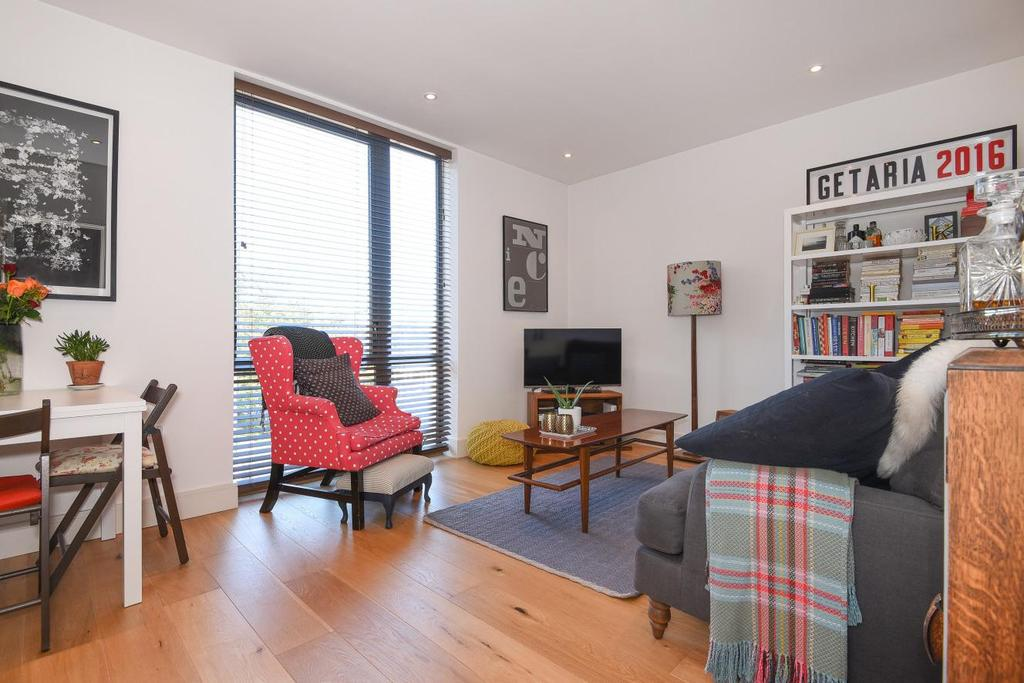 2 Bedrooms Flat for sale in Alton Road, Putney