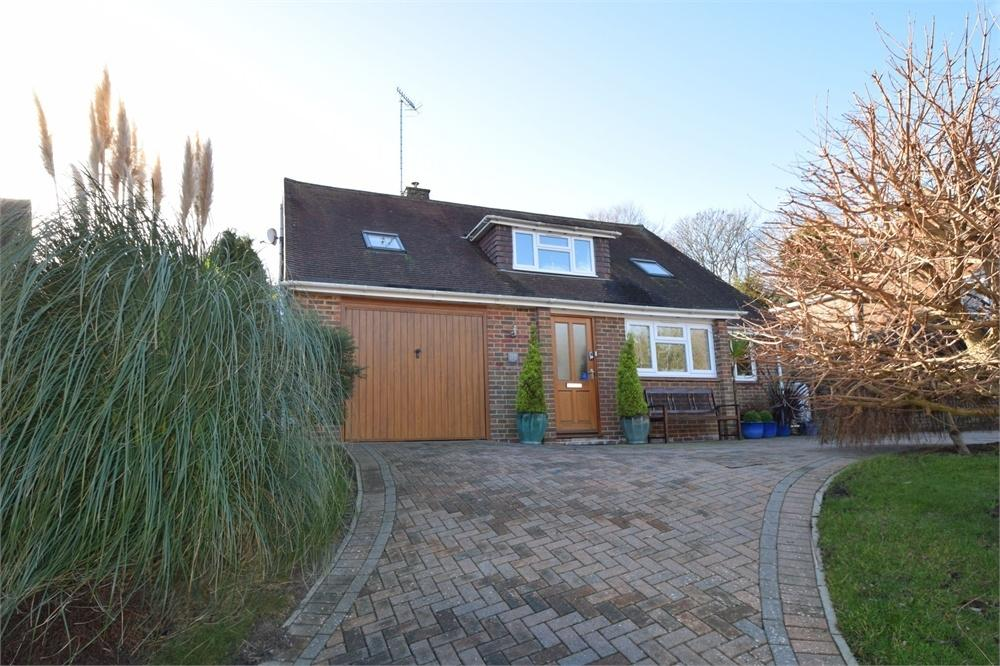3 Bedrooms Chalet House for sale in Parkway, Ratton, East Sussex