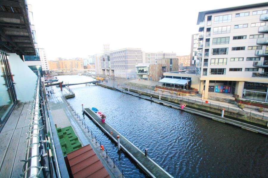 2 Bedrooms Flat for sale in LA SALLE, CHADWICK STREET, LEEDS, LS10 1NG