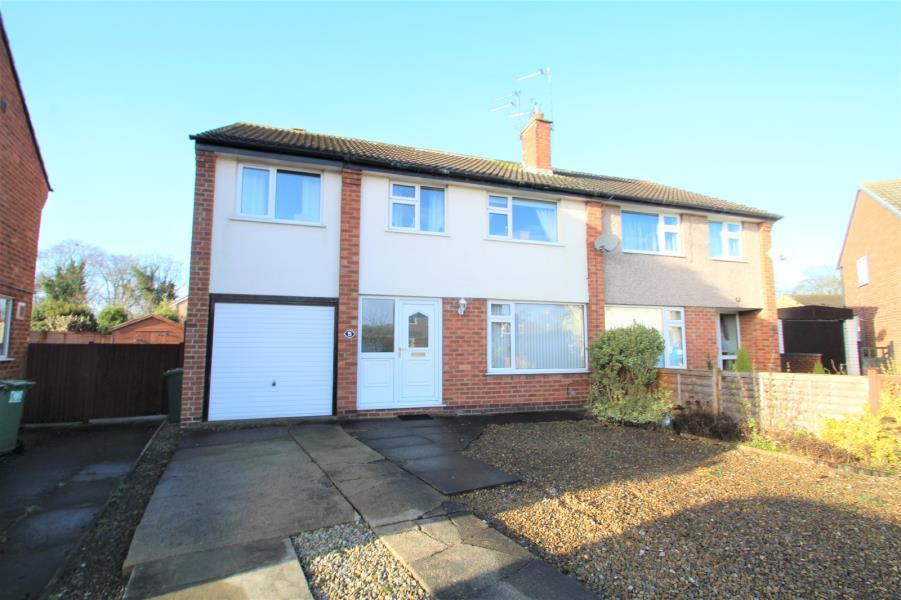 4 Bedrooms Semi Detached House for sale in HAYTON DRIVE, WETHERBY, LS22 6RW