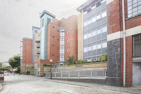 2 bedroom apartment to rent - The Custom House, City Centre
