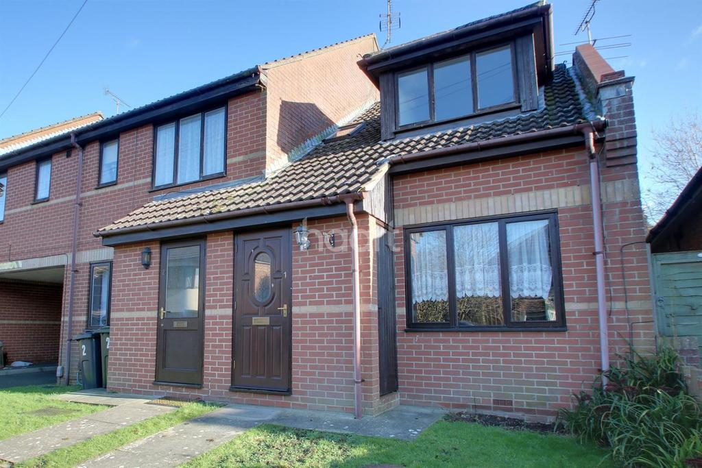 1 Bedroom End Of Terrace House for sale in Dering Road, Ashford, Kent