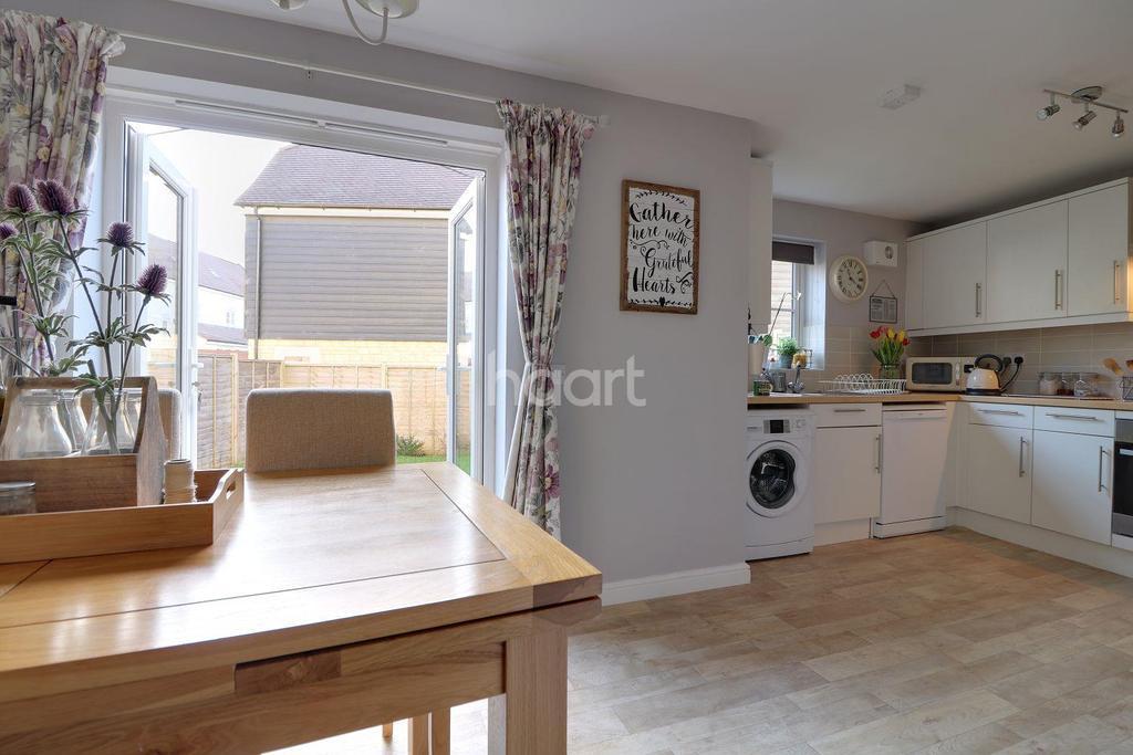 4 Bedrooms Terraced House for sale in Truscott Avenue, Swindon, Wiltshire