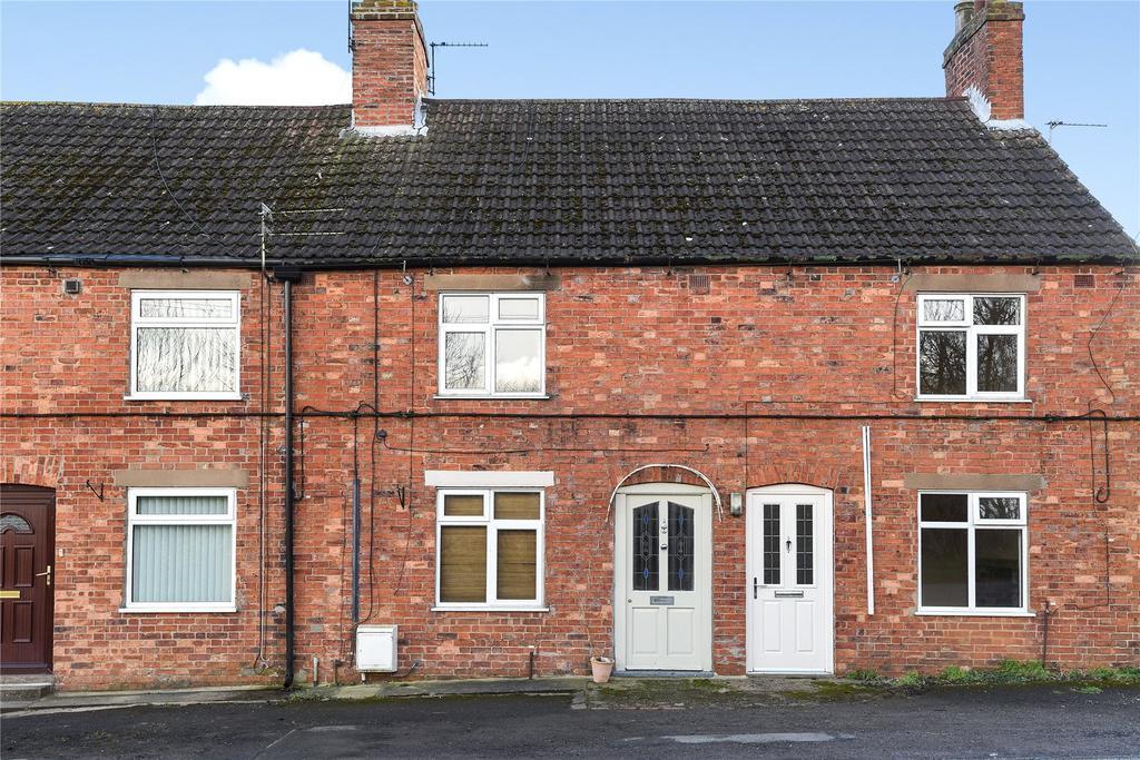 2 Bedrooms Terraced House for sale in Woolsthorpe Road, Woolsthorpe By Colsterworth, NG33