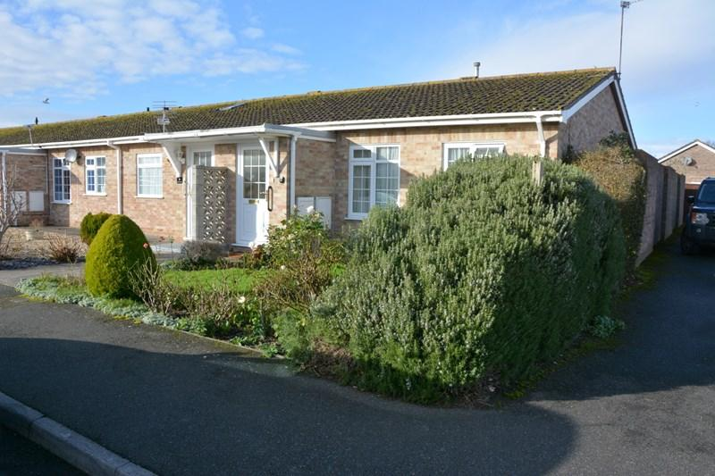 2 Bedrooms Bungalow for sale in Severn Grove, Burnham-On-Sea