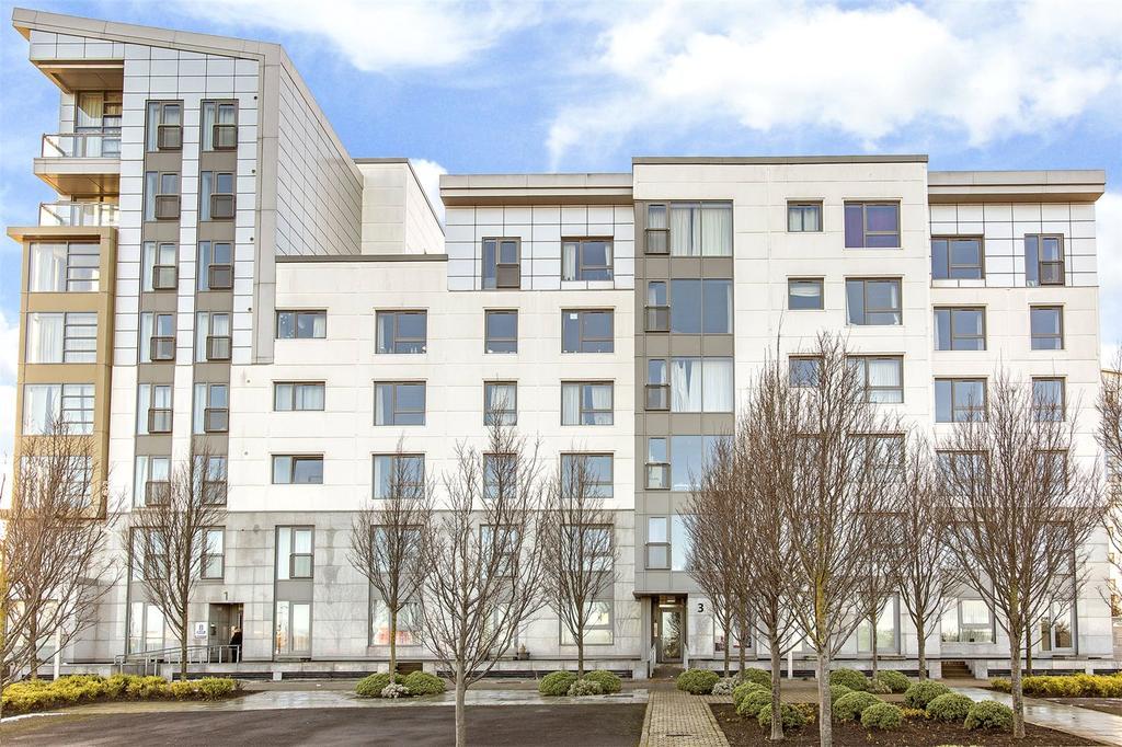 2 Bedrooms Flat for sale in 3/3 Western Harbour View, Edinburgh, EH6