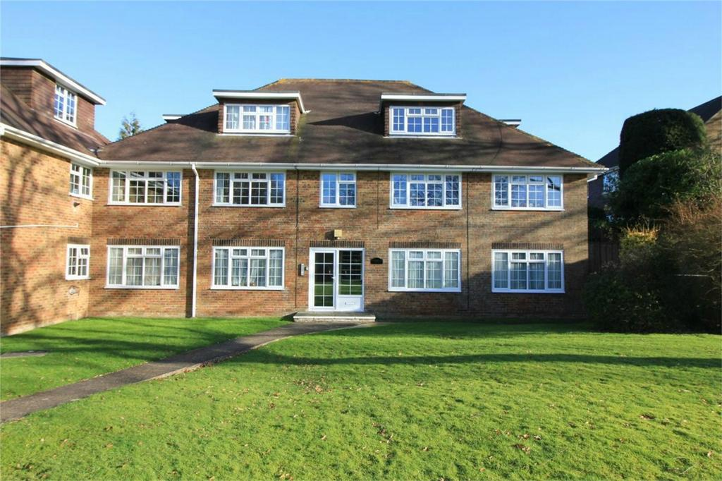 2 Bedrooms Flat for sale in Glengorse, BATTLE, East Sussex
