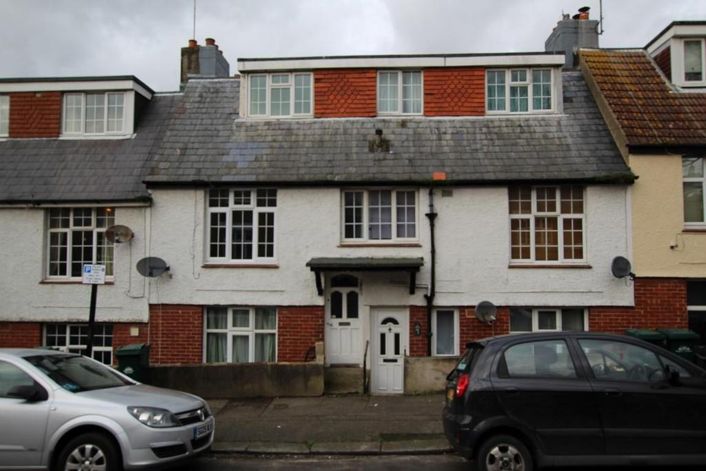 2 Bedrooms Maisonette Flat for sale in May Road, Brighton