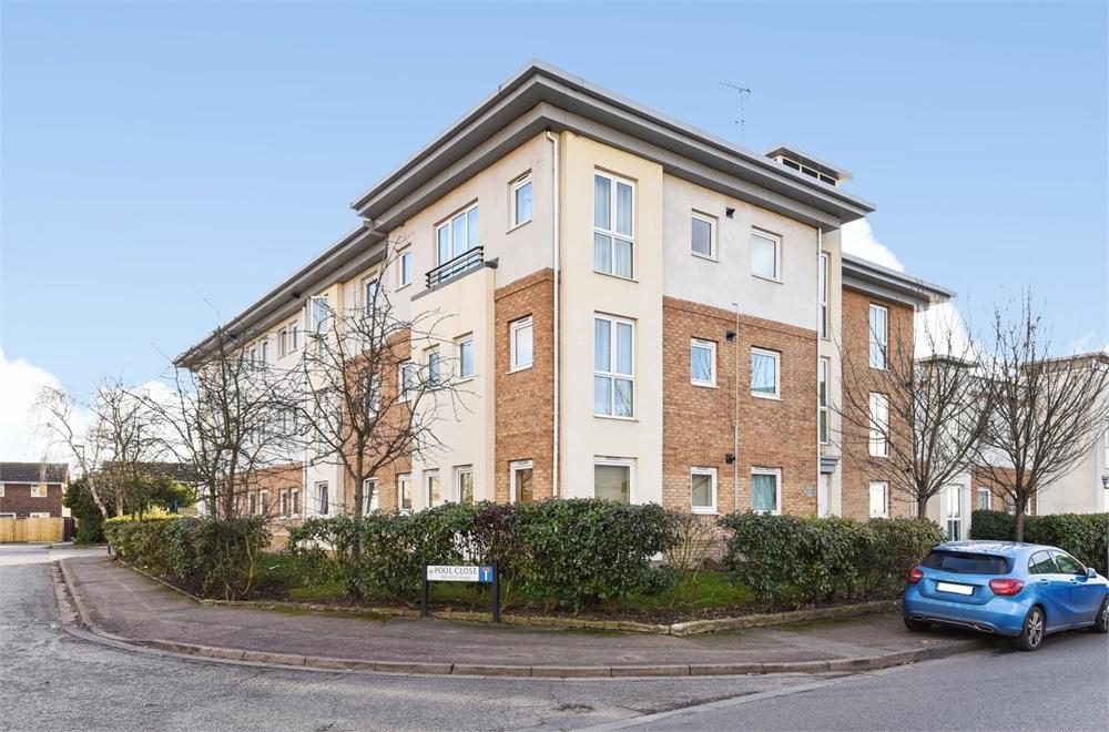 1 Bedroom Flat for sale in Timothy Place, Pool Close, West Molesey, Surrey