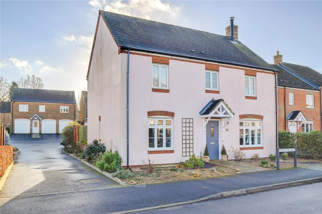 4 Bedrooms Detached House for sale in Luker Drive, Petersfield, Hampshire