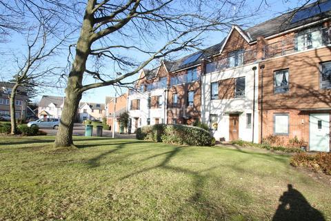 3 bedroom detached house to rent - Darwin Gardens, ME15