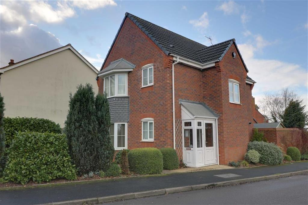 3 Bedrooms Detached House for sale in The Meadows, Cannock, Staffordshire