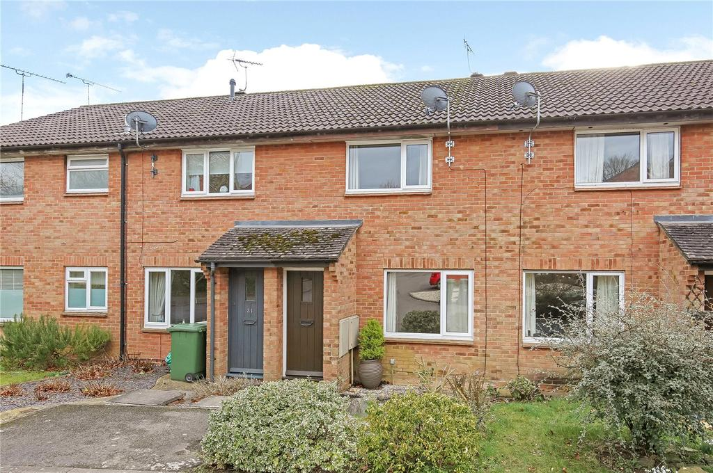 2 Bedrooms Terraced House for sale in Appledown Close, Alresford, Hampshire, SO24