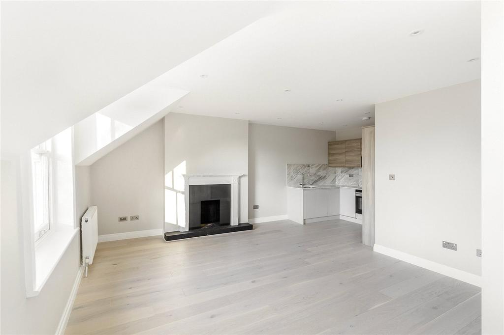 3 Bedrooms Flat for sale in Ribblesdale Road, N8