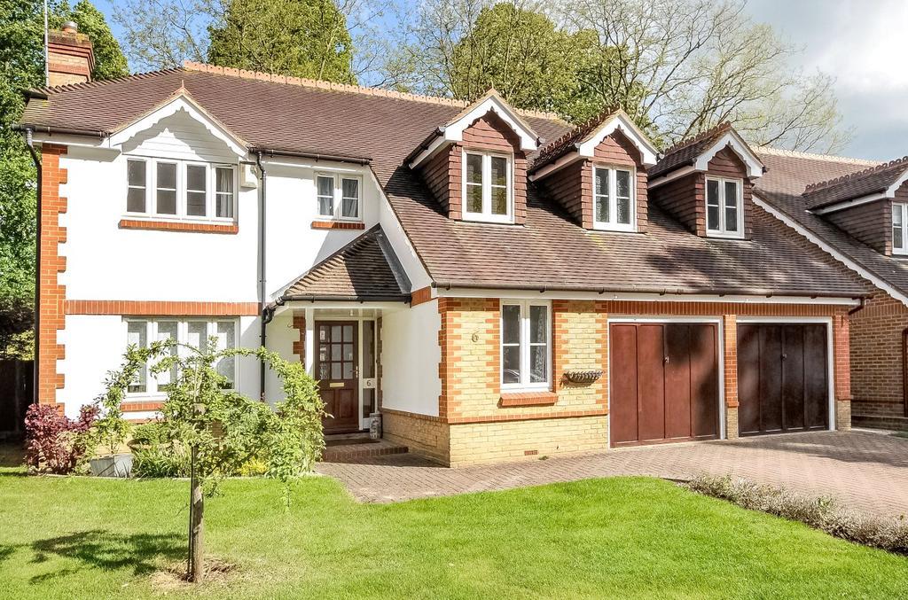 5 Bedrooms Detached House for sale in The Redwoods, Windsor, Berkshire, SL4