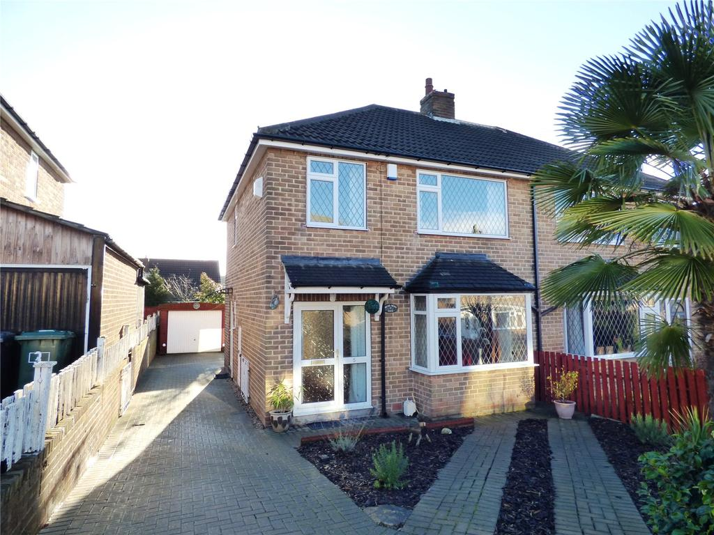 3 Bedrooms Semi Detached House for sale in Woodlands Avenue, Lepton, Huddersfield, West Yorkshire, HD8