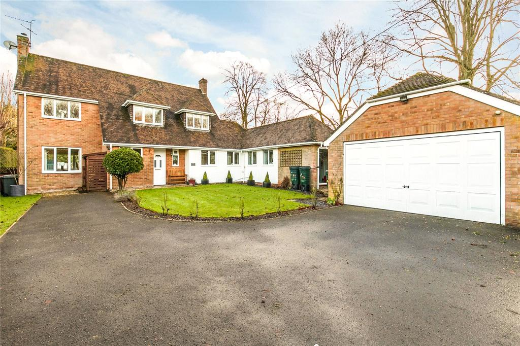4 Bedrooms Detached House for sale in High Street, Monxton, Andover, Hampshire, SP11