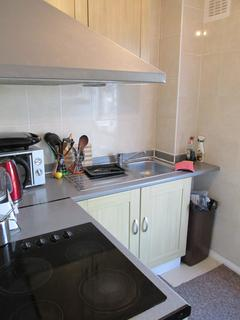1 bedroom flat share to rent - Dunsmure Road N16