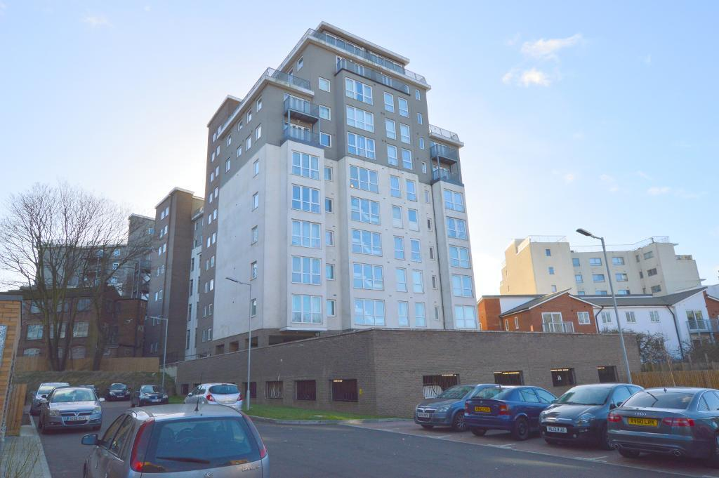 2 Bedrooms Apartment Flat for sale in Hatton Place, High Town, Luton, LU2 0FD