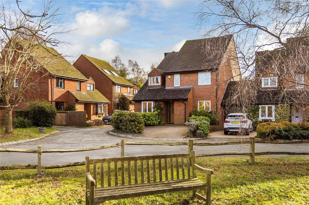 4 Bedrooms House for sale in Stanhopes, Limpsfield, Oxted, Surrey, RH8