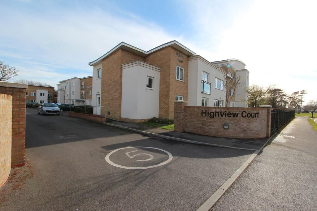 1 Bedroom Apartment Flat for sale in HIGHCLIFFE ON SEA