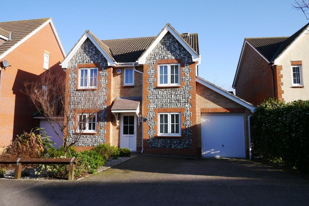 4 Bedrooms Detached House for sale in Deepdale, Carlton Colville, Lowestoft