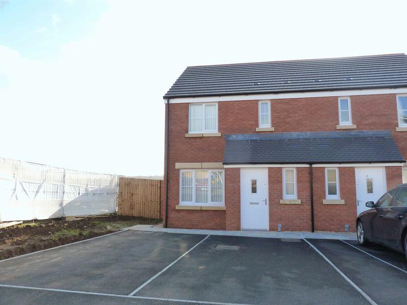 3 Bedrooms Semi Detached House for rent in Clos Yr Eirlys Parc Derwen Bridgend CF35 6NQ