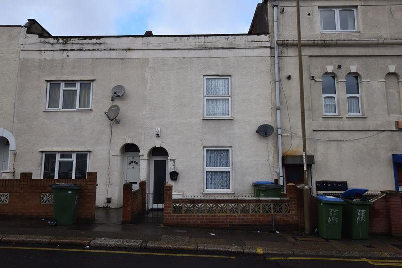 3 Bedrooms Terraced House for sale in Crescent Road, Woolwich, SE18 7BN