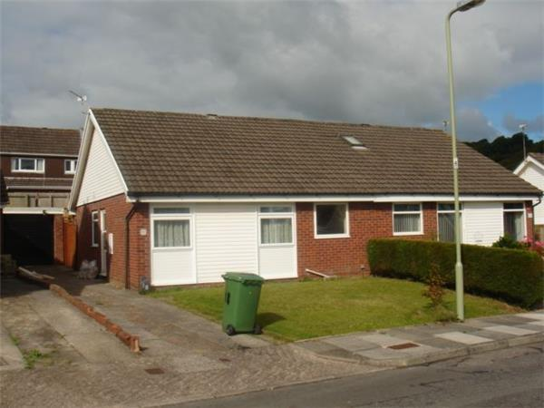 2 Bedrooms Semi Detached Bungalow for rent in Mayfield Place, Llantrisant, CF72 8QG