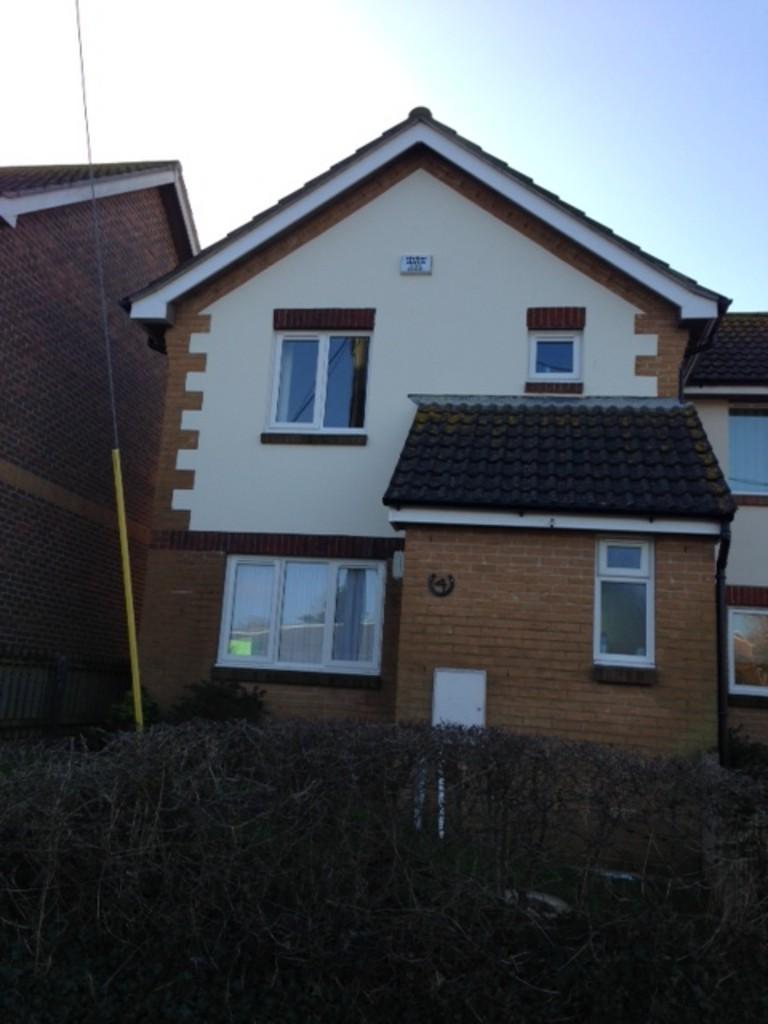 3 Bedrooms Semi Detached House