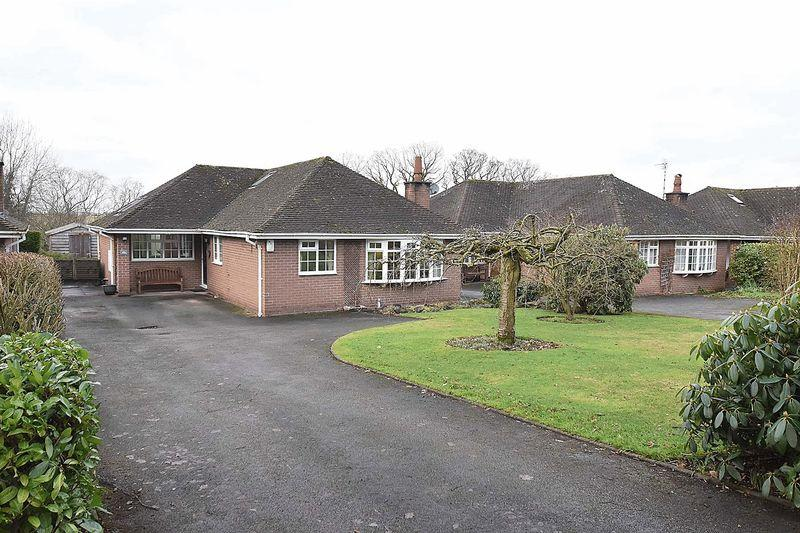 3 Bedrooms Bungalow for sale in Dixon Drive, Chelford