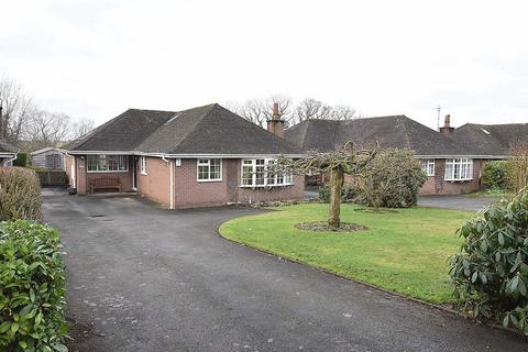 3 bedroom bungalow for sale - Dixon Drive, Chelford