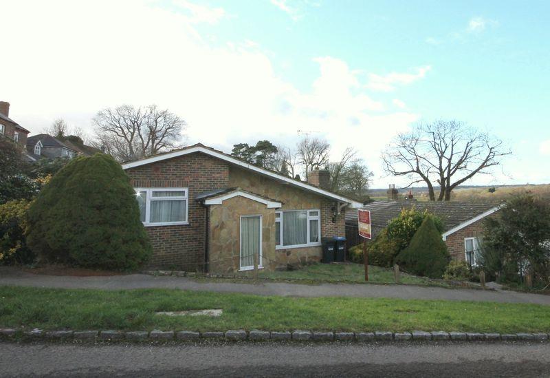 2 Bedrooms Detached Bungalow for sale in Cheeleys, Horsted Keynes, West Sussex