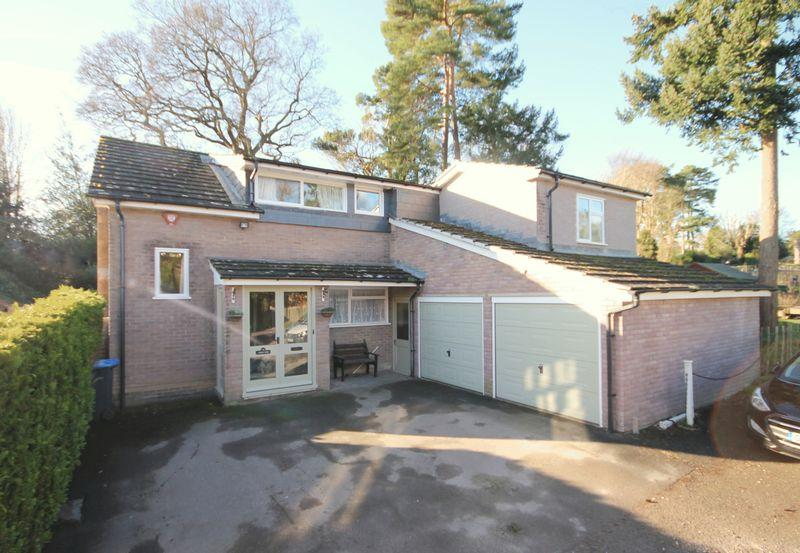 4 Bedrooms Detached House for sale in Pondcroft Road, Lindfield, West Sussex