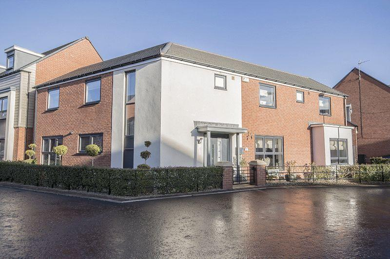 4 Bedrooms Detached House for sale in Kimmerstone Road, Greenside, Newcastle upon Tyne