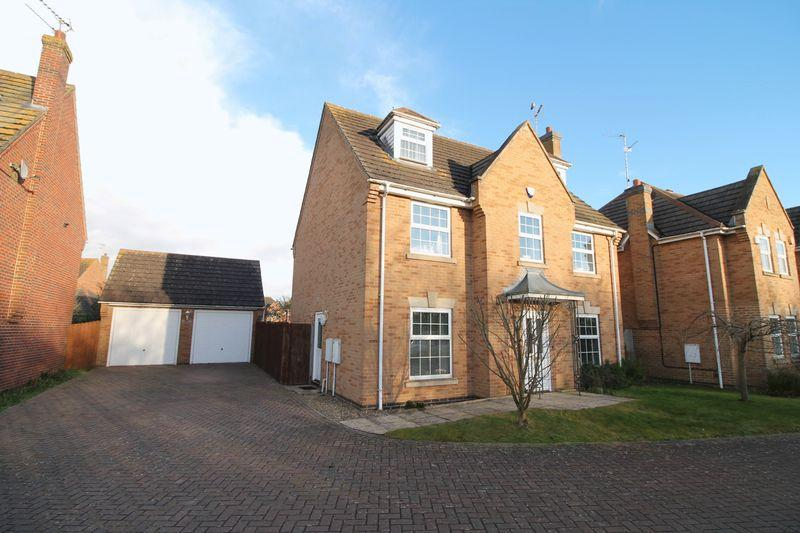5 Bedrooms Semi Detached House for sale in Fleur Drive, Spalding