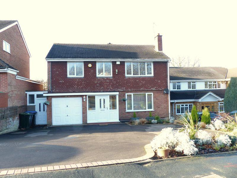 4 Bedrooms Detached House for sale in Monksfield Avenue, Great Barr